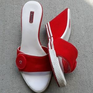 Lacoste Button Wedge Red Sz 5 AIMEE Sandals